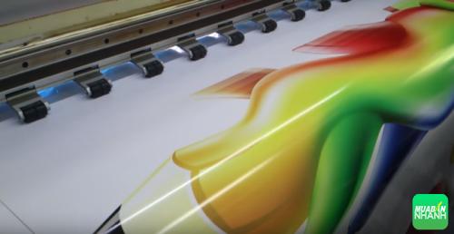 Sản phẩm quảng cáo được thực hiện trên máy in phun khổ lớn, công nghệ hiện đại