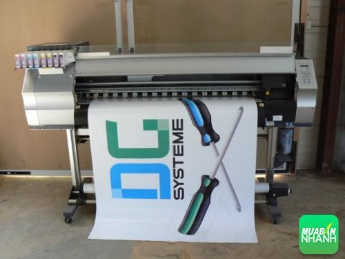 Sản phẩm in PP quảng cáo cho DG Systeme đang được in bằng máy in PP khổ lớn