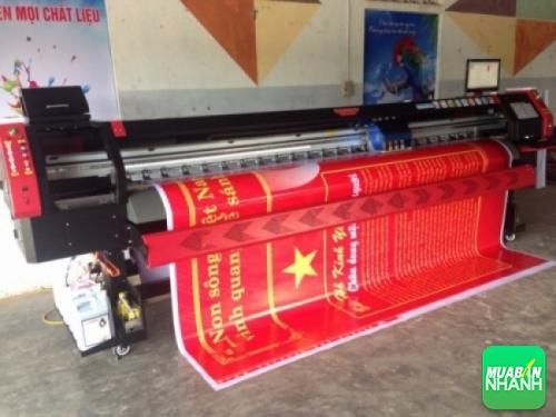 In bạt khổ lớn dùng cho trang trí, quảng cáo, sự kiện,... bằng máy in bạt khổ lớn