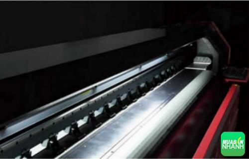 Máy in bạt khổ lớn sử dụng công nghệ in ấn cao, hiện đại nên  cho ra thành phẩm tuyệt đẹp, ấn tượng khi nhìn lần đầu